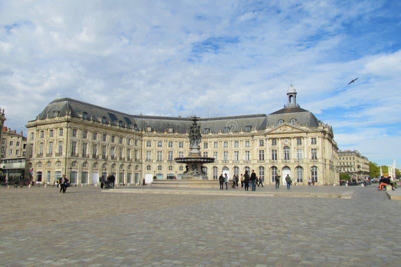 在地方de la Bourse,红葡萄酒,法国前面摆正 免版税库存照片