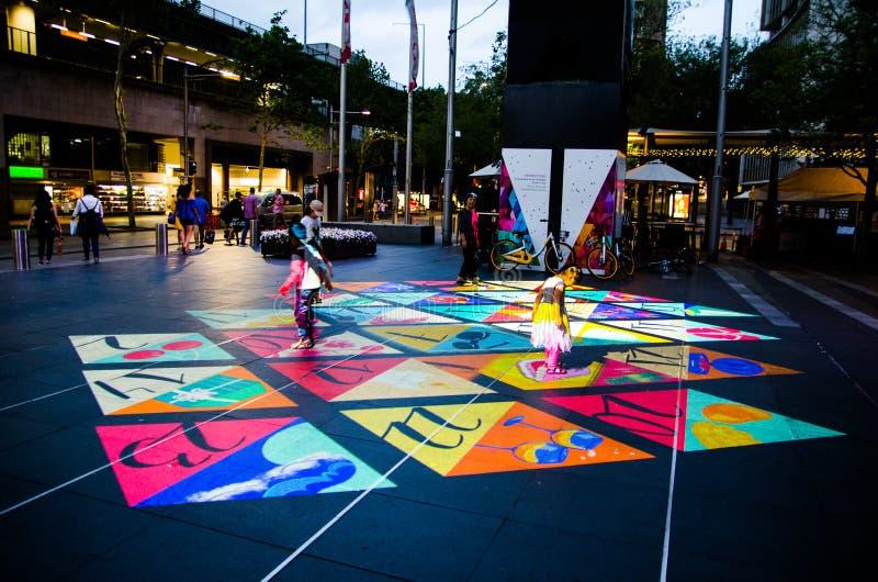 在地面上赋予生命的圣诞节投射在江海关广场由悉尼市生产了 免版税库存图片
