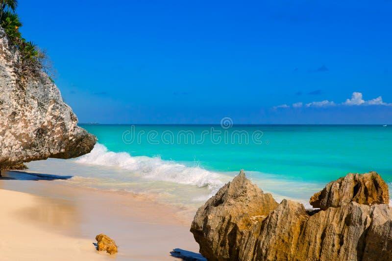 在坎昆绿松石加勒比附近的Tulum海滩 库存图片
