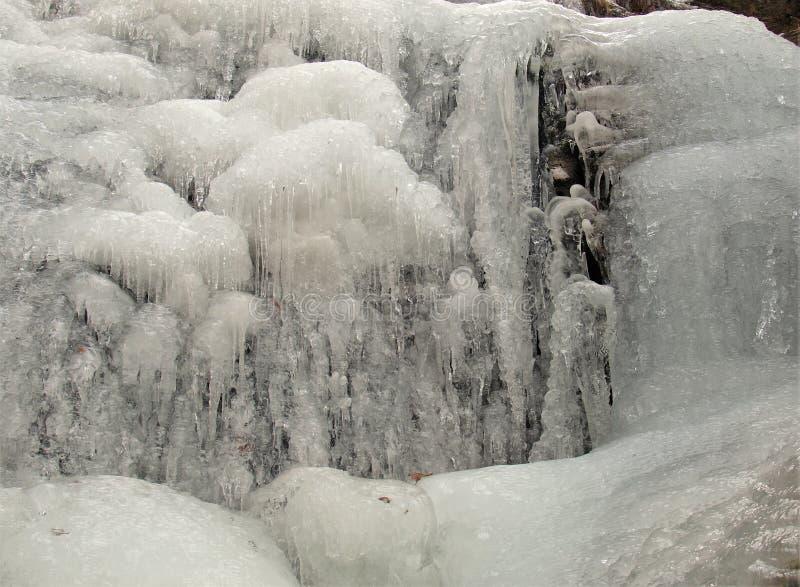 在垂悬的岩石国家公园的冻瀑布 库存照片