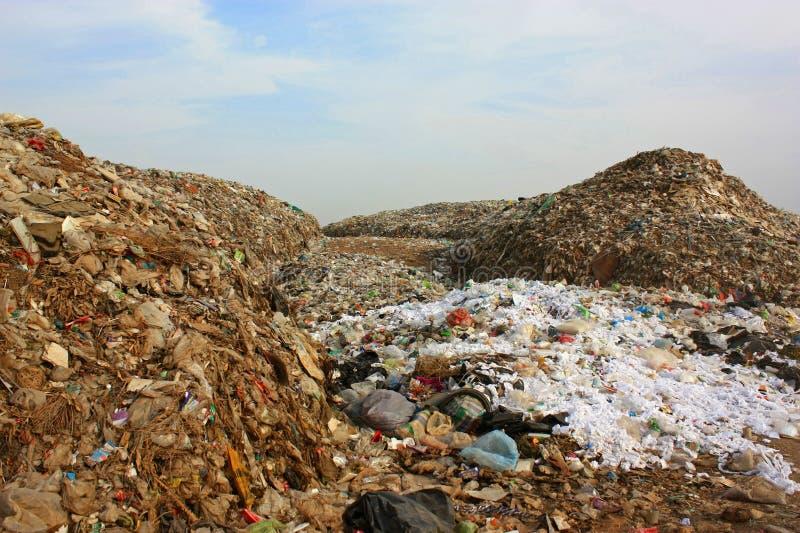 在垃圾填埋的市政垃圾堆 危机生态学环境照片污染