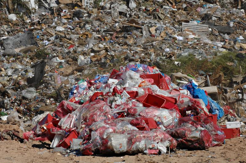 在垃圾填埋的有害废料 图库摄影