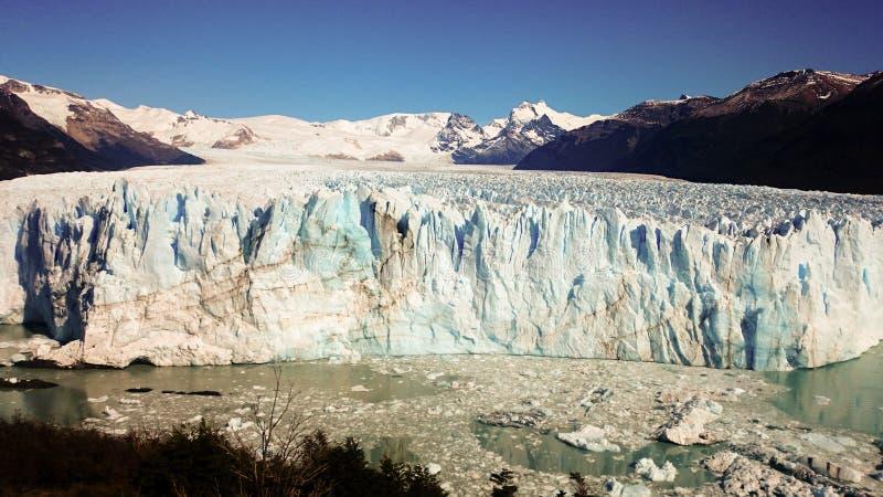 在埃尔卡拉法特附近的佩里托莫雷诺冰川在阿根廷的巴塔哥尼亚地区 库存照片