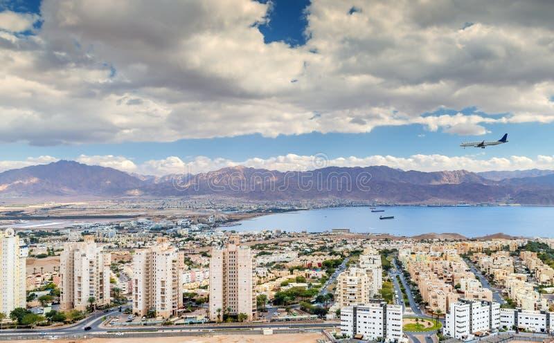 在埃拉特以色列和亚喀巴约旦,中东的鸟瞰图 免版税库存照片
