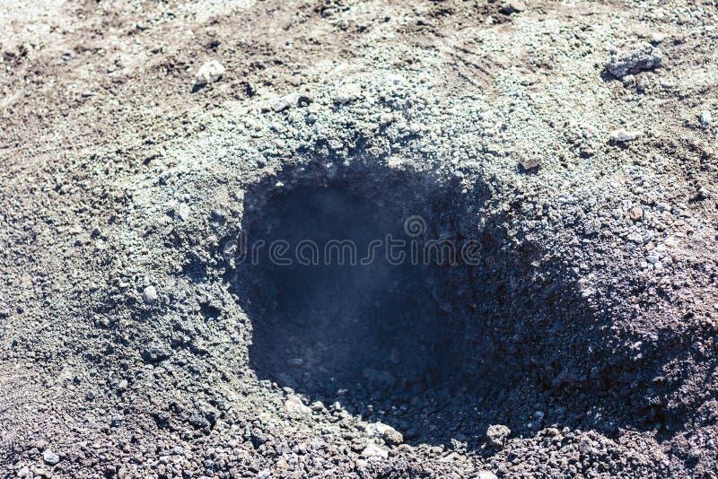 在埃特纳火山,在西西里岛,意大利的东海岸的活火山的熔岩 图库摄影