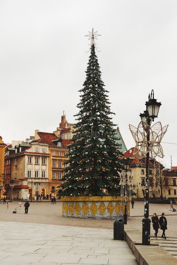 在城堡正方形的圣诞树 Plac Zamkowy凝视Miasto WA 库存照片