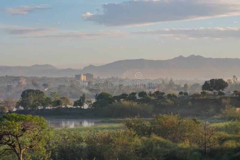 在城市基苏木附近的维多利亚湖风景在肯尼亚 图库摄影