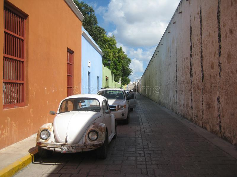 在城市墙壁Yucatà ¡ n半岛墨西哥里面的老镇坎比其 库存图片