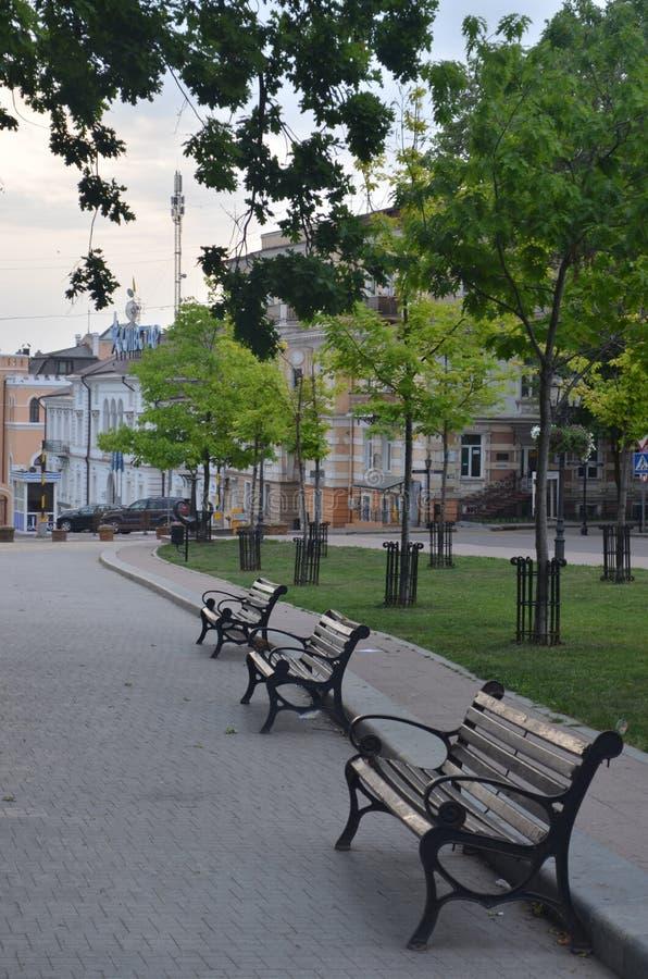 在城市广场的清早 库存照片