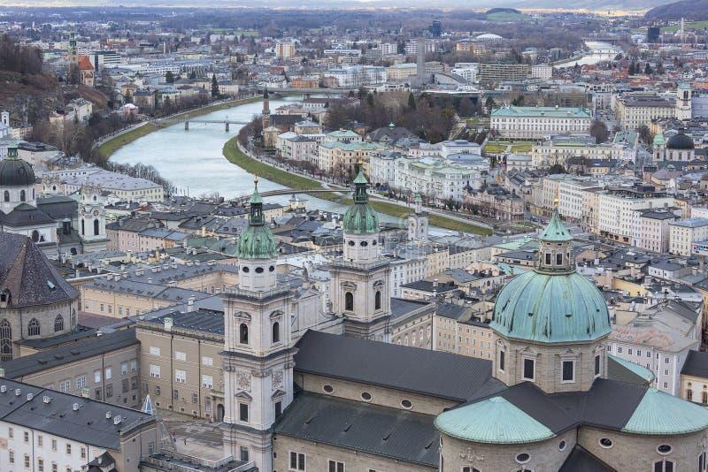 在城市的鸟瞰图,萨尔茨堡主教座堂,萨尔茨堡,奥地利 库存照片