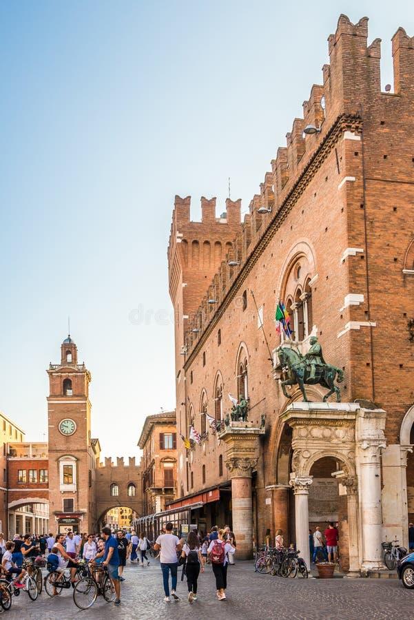 在城镇厅大厦的看法在费拉拉-意大利 图库摄影