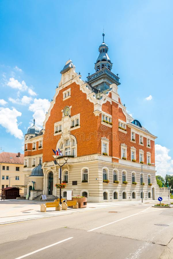 在城镇厅大厦的看法在霍多宁-捷克 库存照片