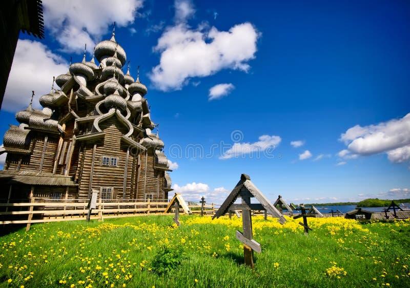 在基日岛海岛上的传统木俄国教会  免版税库存图片
