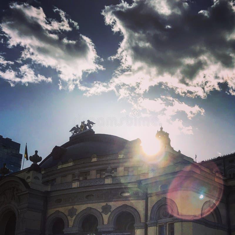 在基辅歌剧院,乌克兰的光束 免版税图库摄影