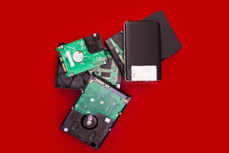 在堆的外在和内部硬盘在委员会 库存照片
