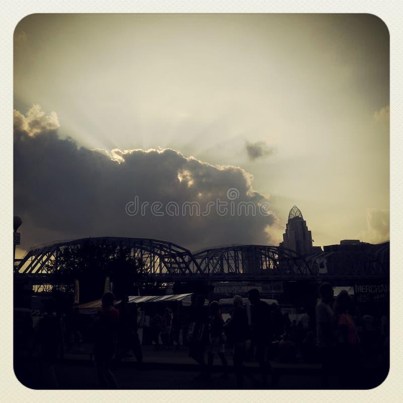 在堤坝的阴天 库存照片