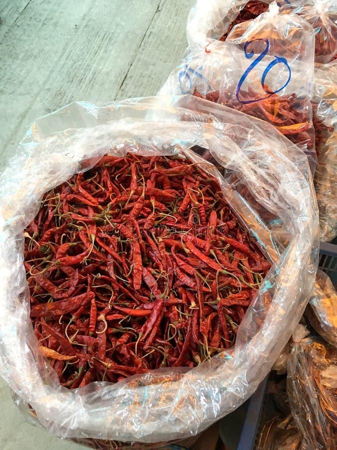 在塑料袋的干红色辣椒 免版税库存图片