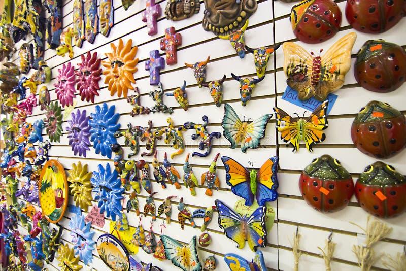 在墙壁上的五颜六色的臭虫 库存照片