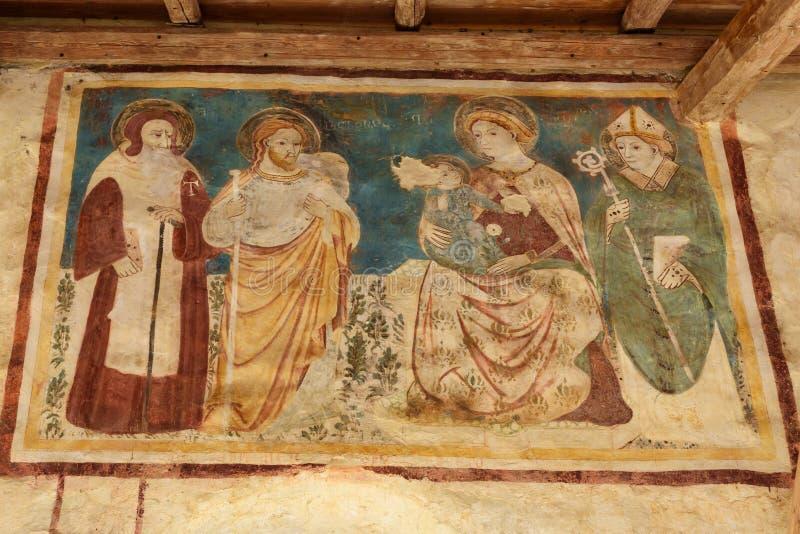 在墙壁上的壁画外面在圣彼得罗岛教会在圣皮耶特罗迪费莱托 特雷维索省 E 免版税库存照片