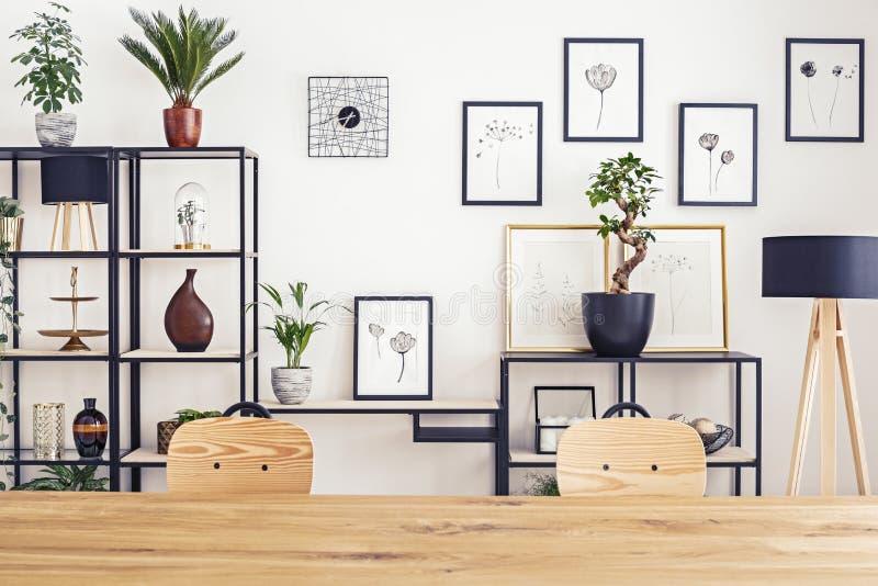 在墙壁上的画廊 免版税库存图片