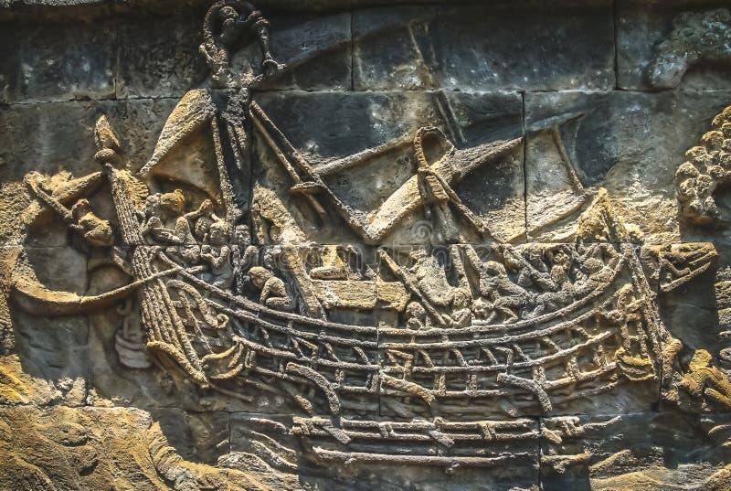 在墙壁上的船在婆罗浮屠寺庙 免版税库存图片