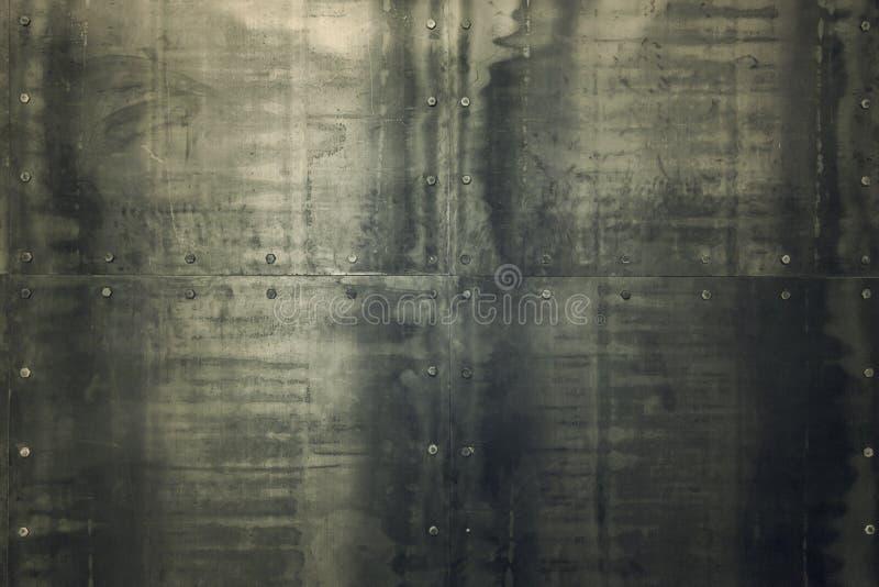在墙壁上的金属纹理 库存图片