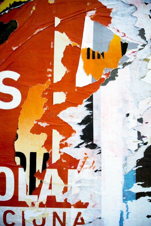 在墙壁上的任意背景拼贴画纸印刷术纹理 库存图片