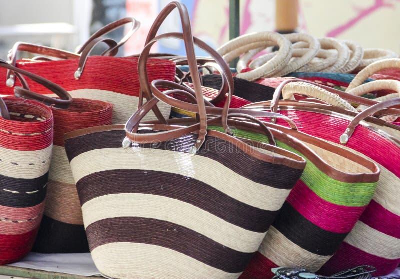 在墨西哥人的五颜六色的袋子手工造市场 免版税图库摄影