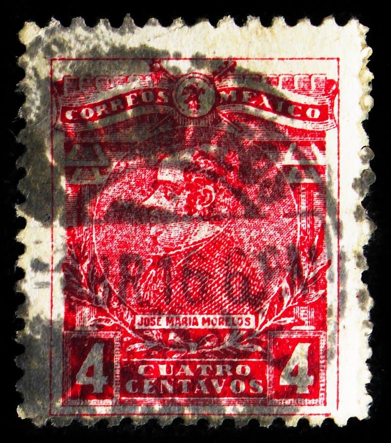 在墨西哥印刷的邮票显示José María Morelos,Emblems/Mexico's Apersies,大约1915年 免版税库存照片