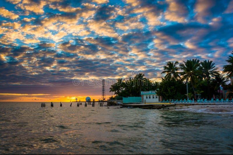 在墨西哥湾的日落从最南端的点在Ke 免版税库存图片