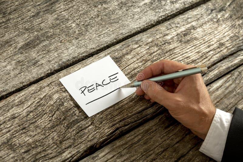 在备忘录写的和平概念 免版税库存照片