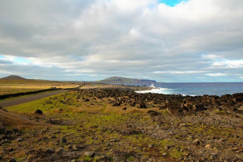 在复活节岛附近的海岸 免版税图库摄影