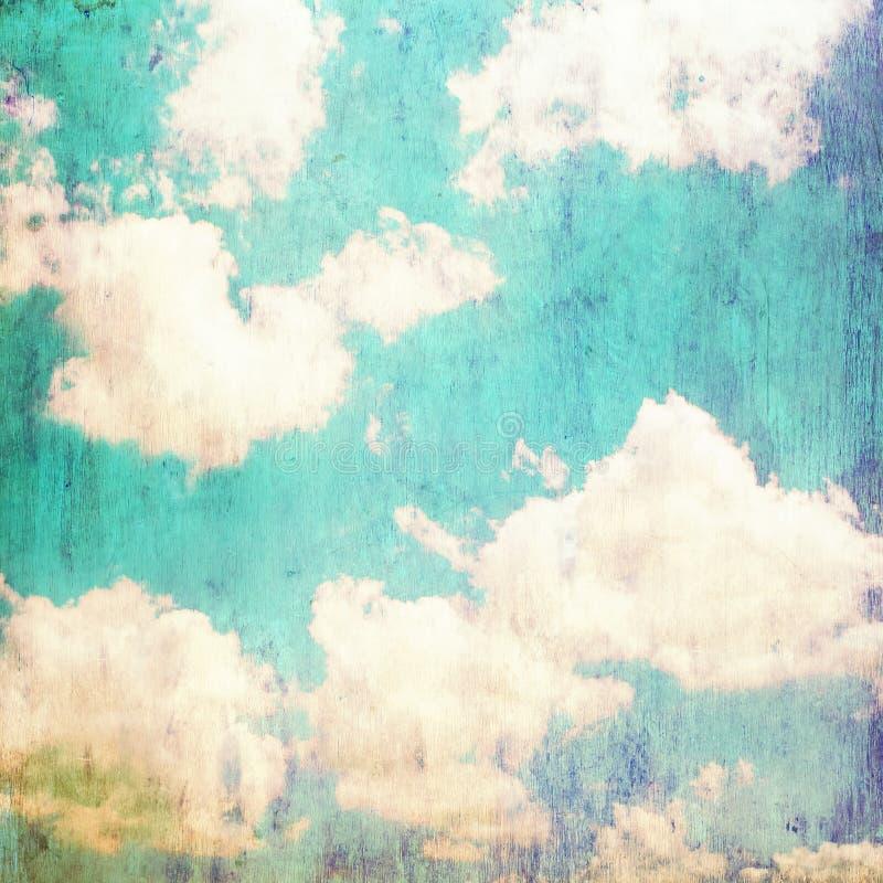 在夏天蓝天-葡萄酒的云彩 库存图片