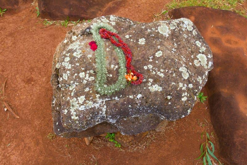在夏威夷分娩石头的Leis 库存图片