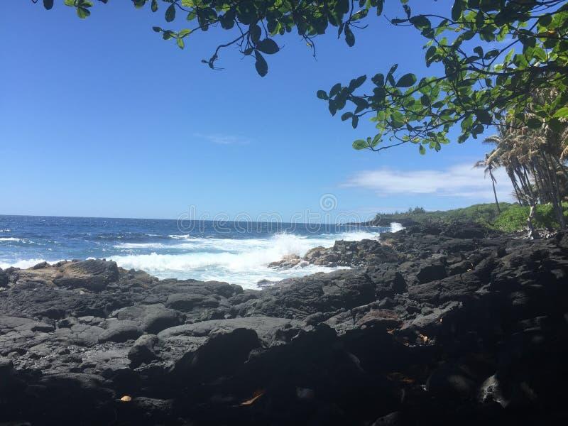 在夏威夷的一个海滩 感激叫这个地方在家 免版税库存照片