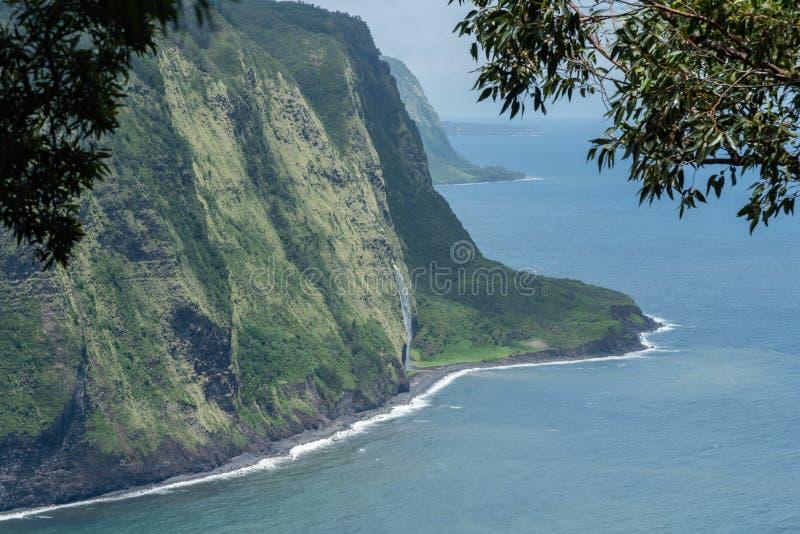 在夏威夷的大岛的美好的Waipio谷远景 免版税库存图片