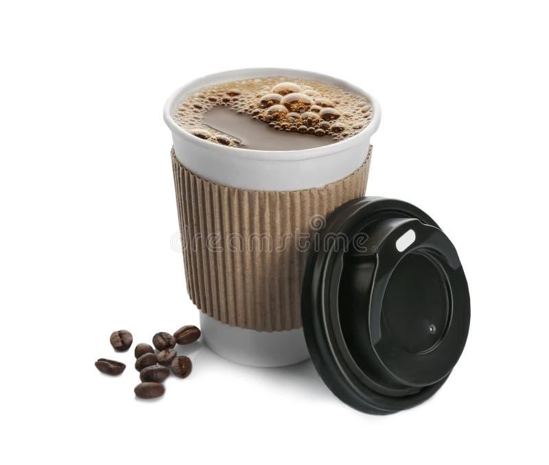 在外带的纸杯的芳香咖啡 免版税库存照片