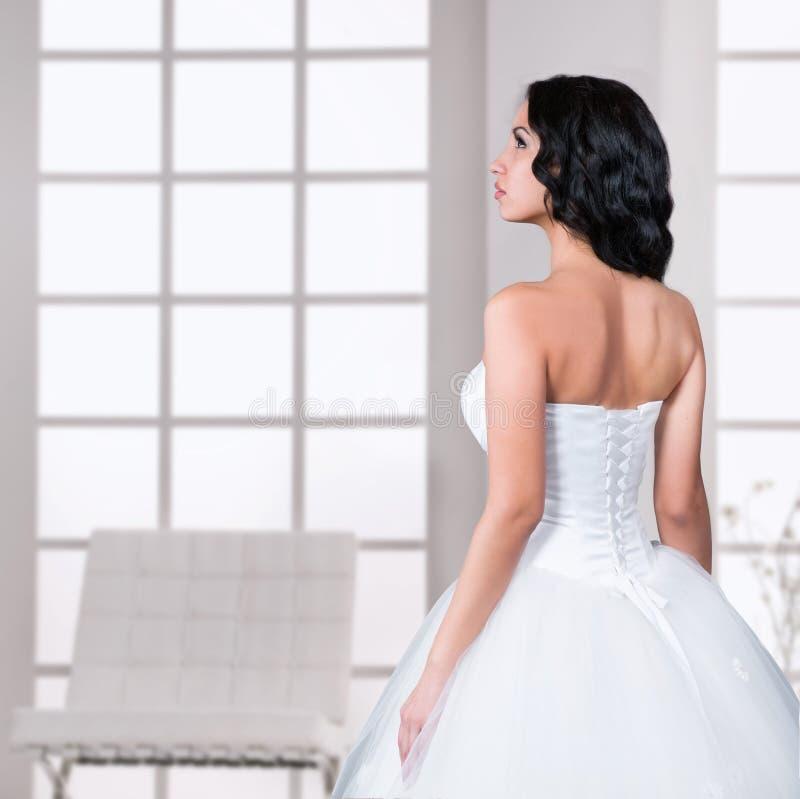 在外形的新娘画象 库存图片