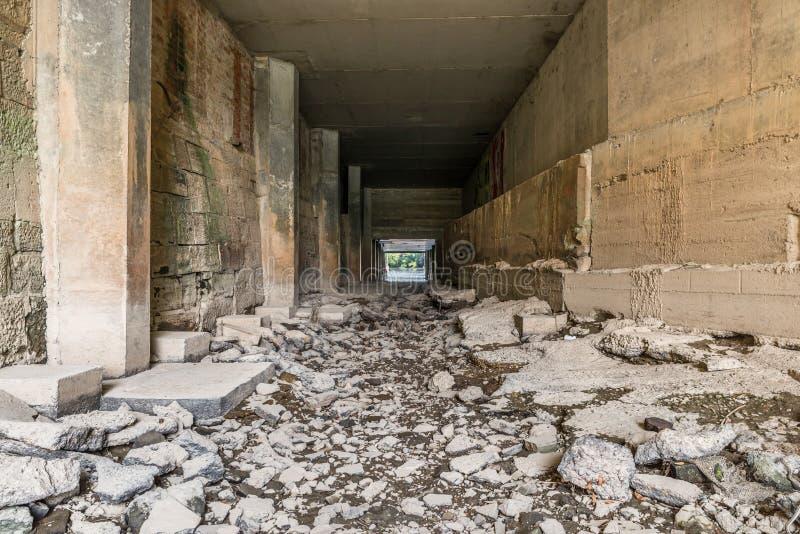 在多瑙河的干燥水道在雷根斯堡,德国 库存图片