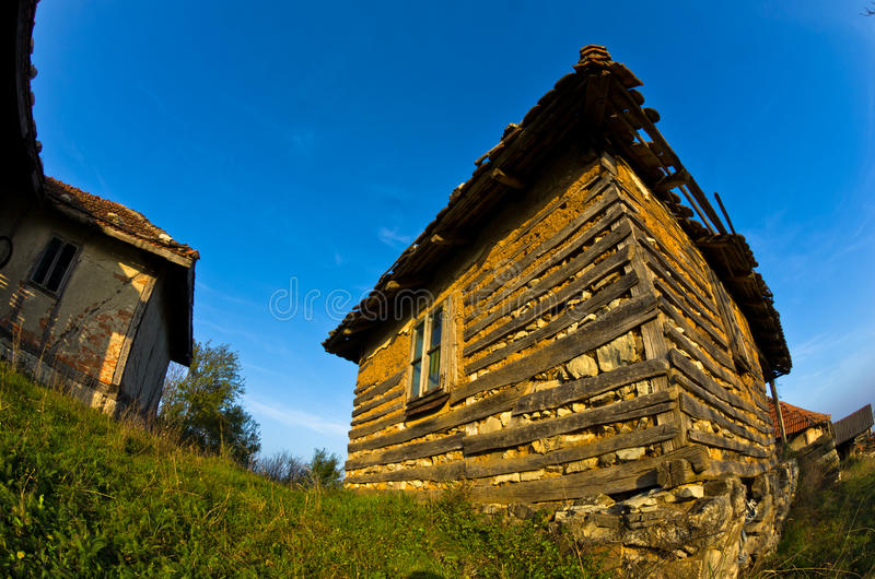 在多瑙河附近的老房子秋天晴天日落的  库存图片