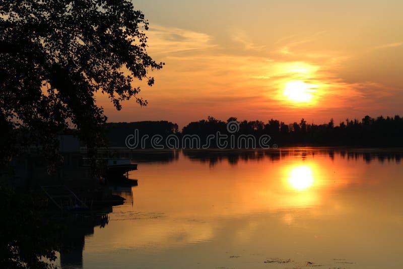 在多瑙河,保加利亚的日落 免版税图库摄影