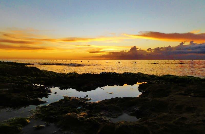 在多米尼加共和国海滩,bayahibe,手段的日落 库存照片