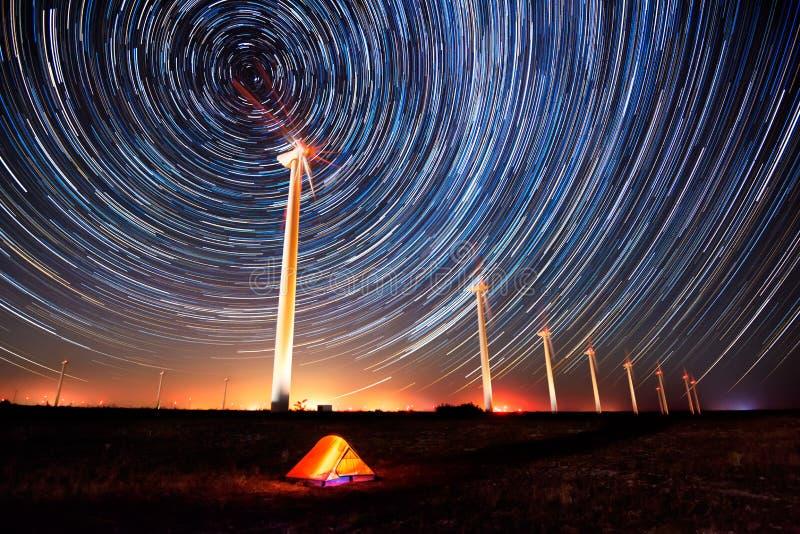 在夜空的圈子 免版税库存照片