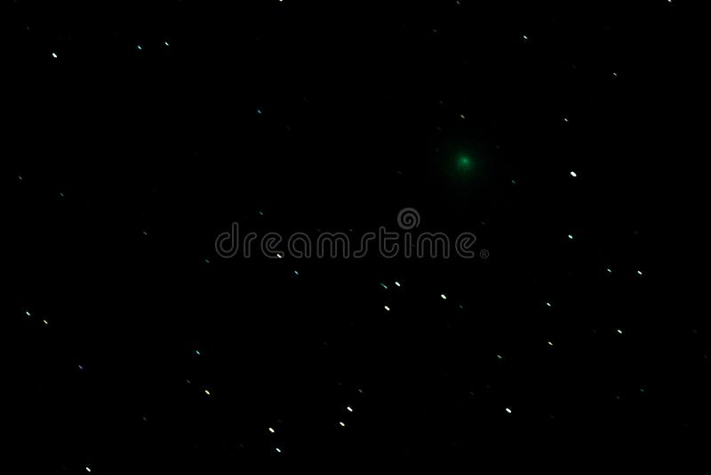 在夜空的彗星46P/Wirtanen 库存图片