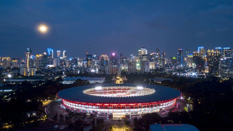 在夜间的美丽的Gelora桶盖Karno 免版税库存照片