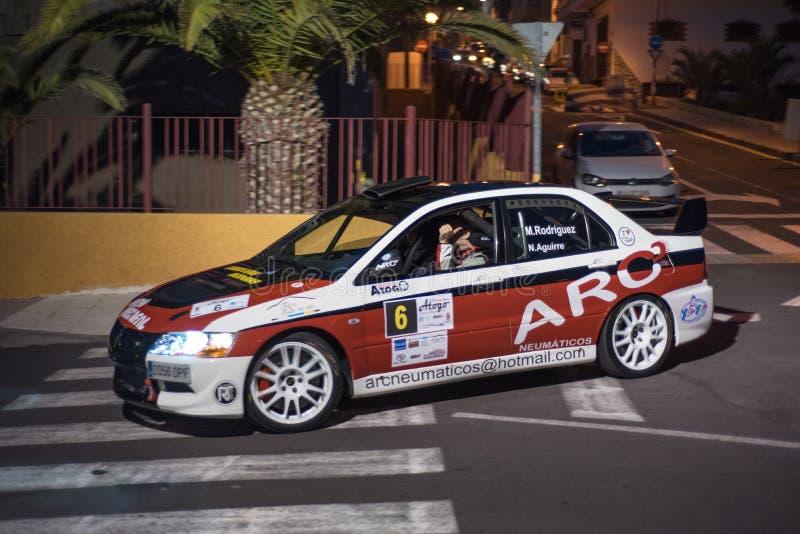 在夜集会展示的三菱Evo在特内里费岛 免版税库存图片