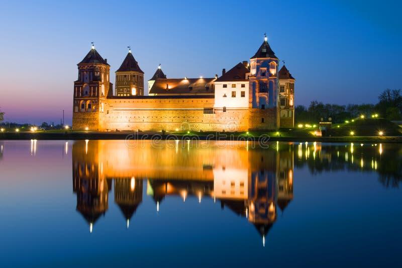 在夜风景的Mir城堡 Mir,白俄罗斯 免版税库存照片
