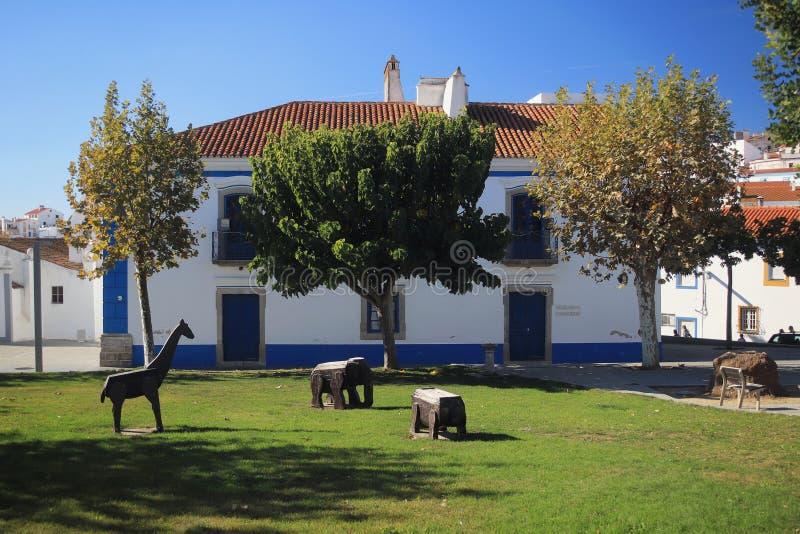 在大厦和帕克Arraiolos,葡萄牙的看法 免版税库存图片