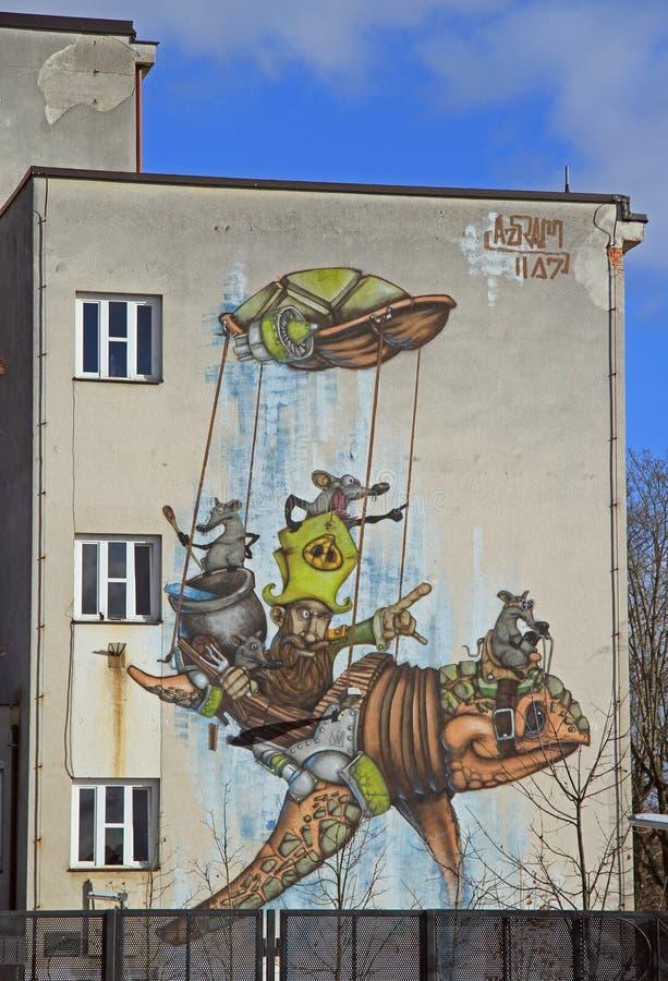 在大厦的五颜六色的街道画在卢布尔雅那睡觉区  库存图片