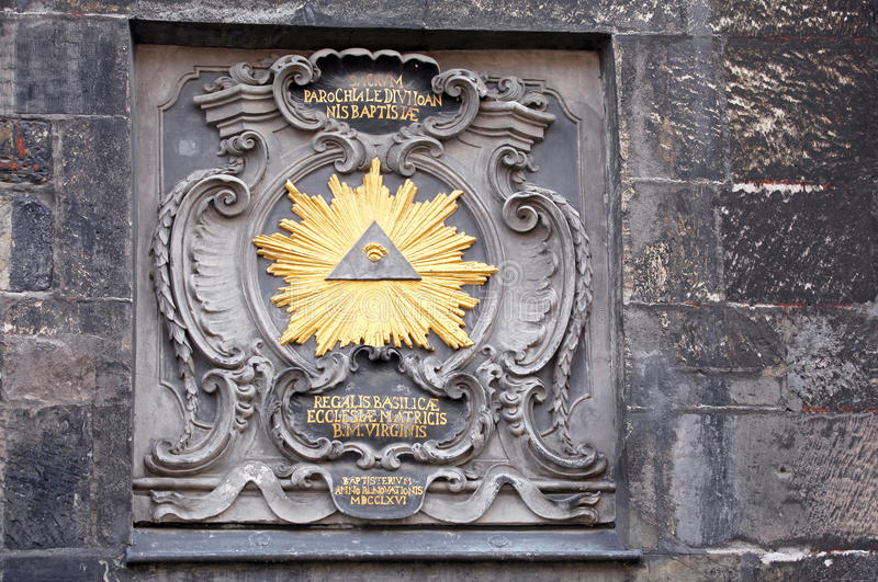 在大厦的历史标志在亚琛,德国 免版税库存图片